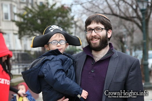 Photos: Purim in Crown Heights (2)