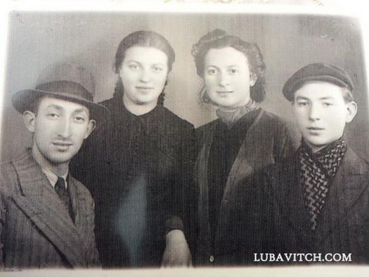 Asna Mera, left center, and her sister Fruma, with brothers Shmuel Avraham (far left) and Yisroel (far right) of the Chanowitz family.