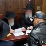 Photos: Crown Heights Rabbis Sell the Chometz