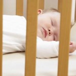 Doctors: Infants Should Sleep in Parents' Room