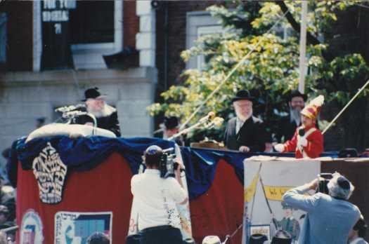 Rabbi_Menachem_Mendel_Schneerson_-_Lag_BaOmer_parade