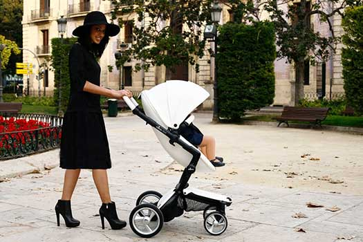 new stroller is steadily replacing the Bugaboo as the baby carriage ...