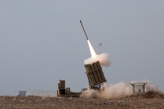 Flickr_-_Israel_Defense_Forces_-_Iron_Dome_Intercepts_Rockets_from_the_Gaza_Strip (1)