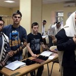 Chabad Rabbi Stays Behind with Trapped Jews in Besieged Ukrainian City