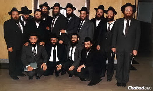 In an early 1990s photo are longtime friends, standing from left, Rabbi Y.Y. Levin, Rabbi Tzvi Rader, Rabbi Nosson Greenblatt, Rabbi Y.Y. Meshulovin, Rabbi Nechemia Vogel, Rabbi Yossi Carlebach, Rabbi Yosef Landa, Rabbi Mendy Groner, Rabbi Yerachmiel Benjaminson and Rabbi Shmuel Notik; and first row, from left, Rabbi Y.Y. Zaltzman, Rabbi Mordechai Kastel, Rabbi Avremel Grossbaum and Rabbi Mendel Raskin.