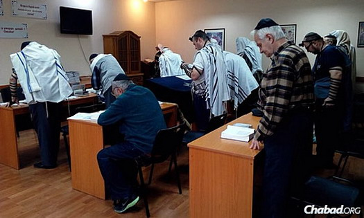 In the Donetsk synagogue, elderly men make up most of the worshippers, as many other Jews fled during the last few months of fighting between pro-Russian separatists and the Ukrainians.