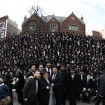Shluchim Claim Title to World's Largest Selfie