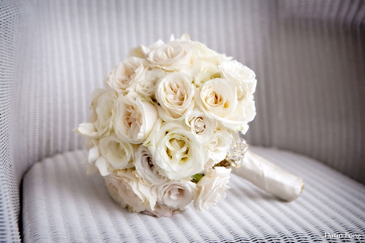 white-rose-wedding-bouquet-with-crystals-aileen-tran-event-stylist-blog-picture