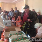 1,000 Berlin Families Receive Aid for Pesach
