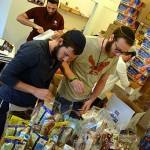 'Lone Soldiers' in Israel Receive Purim Packages Reminiscent of Home