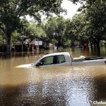 Shliach Works to Help Residents in Flooded Houston