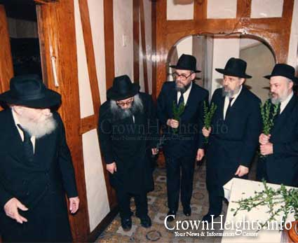 The Rebbes Mazkirim receiving a Brocho from the Rebbe on Erev Sukkos. Rabbi Binyomin Klein is second from the right.