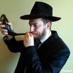 Chabad Brings Sound of the Shofar to the Homebound