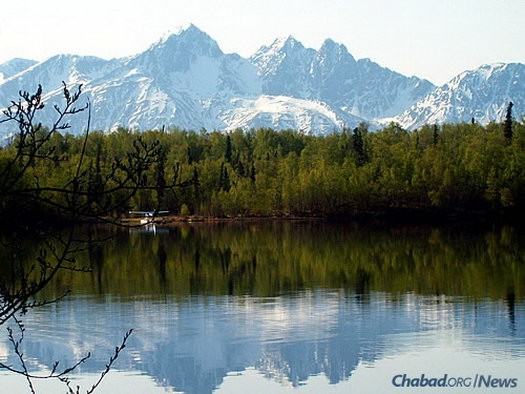 One of the warmer bodies of water in Alaska, Cottonwood Lake near the town of Wasilla in the Mat-Su Valley is a year-round destination for local residents and tourists.