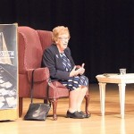 Holocaust Survivor Eva Schloss Meets with California Teens in Swastika Picture
