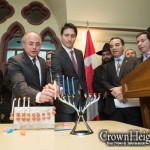 Canada's New Prime Minister Lights Menorah with Shluchim