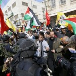 Poll: 67% Palestinians Support Stabbing Jews