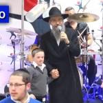 Video: Avraham Fried Sings for Special Children