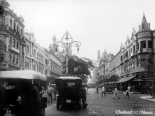 The leading avenue of Rio de Janeiro between 1909 and 1920. The city's Jewish community was established for the most part in the years following World War I.