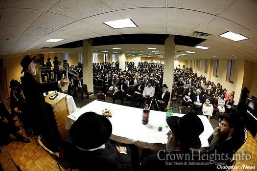 Rabbi Israel Meir Lau, left, former Ashkenazi chief rabbi of Israel and current chief rabbi of Tel Aviv, speaks to the newly ordained rabbis at the Rabbinical College of America in 2012. Photo: Chaim Perl.