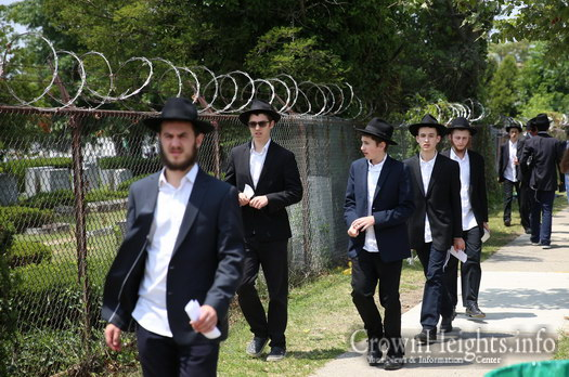 Send A Letter To The Ohel