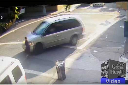 ped-struck-minivan
