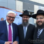 German Foreign Minister Congratulates Shliach for 20 Years of Service