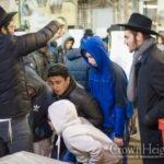 Judge Lifts Ban on Kaporos Minutes Before Yom Kippur