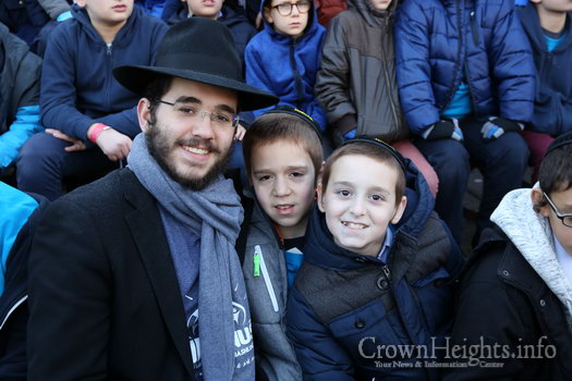 kinus-16-kids-group-8