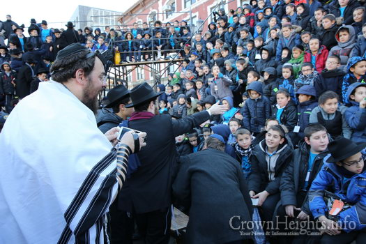 kinus-16-kids-group-9