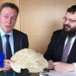Leader of German Opposition Party Tastes Matzah