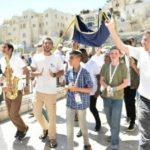 Western Wall Bar Mitzvah Held for 115 Orphans