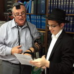 Detroit Students Wrap Tefillin with 1,350