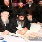 Sholom Mordechai Gives Back