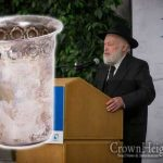 "R' Krinsky Denies Authenticating ""Rebbe's Becher"""