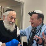 Poway Rabbi Goldstein Lays Tefillin With Surgeon, Son of Survivors