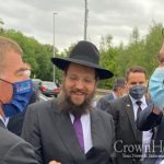 Chabad Shliach Meets Israeli Foreign Minister in Berlin