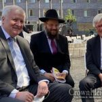 Chabad Shliach of Berln Meets Germany's Minister of the Interior