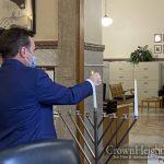 Cincinnati Mayor Hosts Special Pre-Chanuka Party