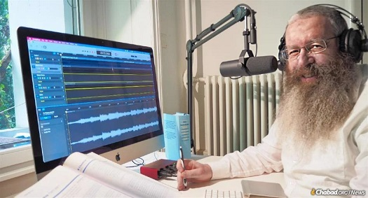 Daily Chassidism Podcast in German Tops the Charts