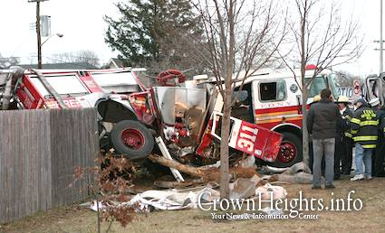 Postal rig hits FDNY truck in Queens • CrownHeights.info ...